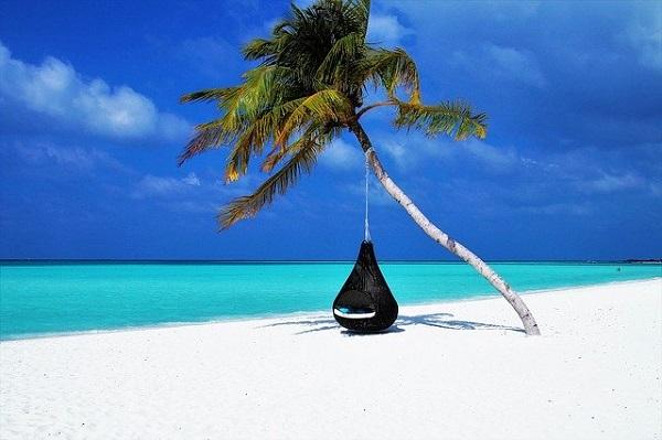 الاقامة الدائمة في جزر المالديف