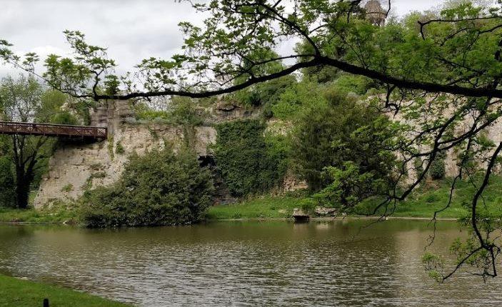 حديقة بوت شومون باريس