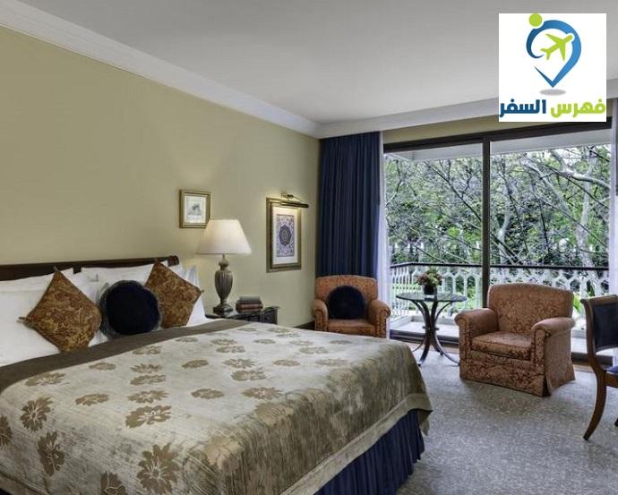 مزايا فندق شيراغان بالاس كمبنسكي