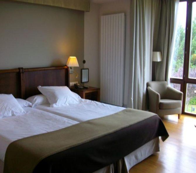 فنادق فيتوريا جاستيز اسبانيا